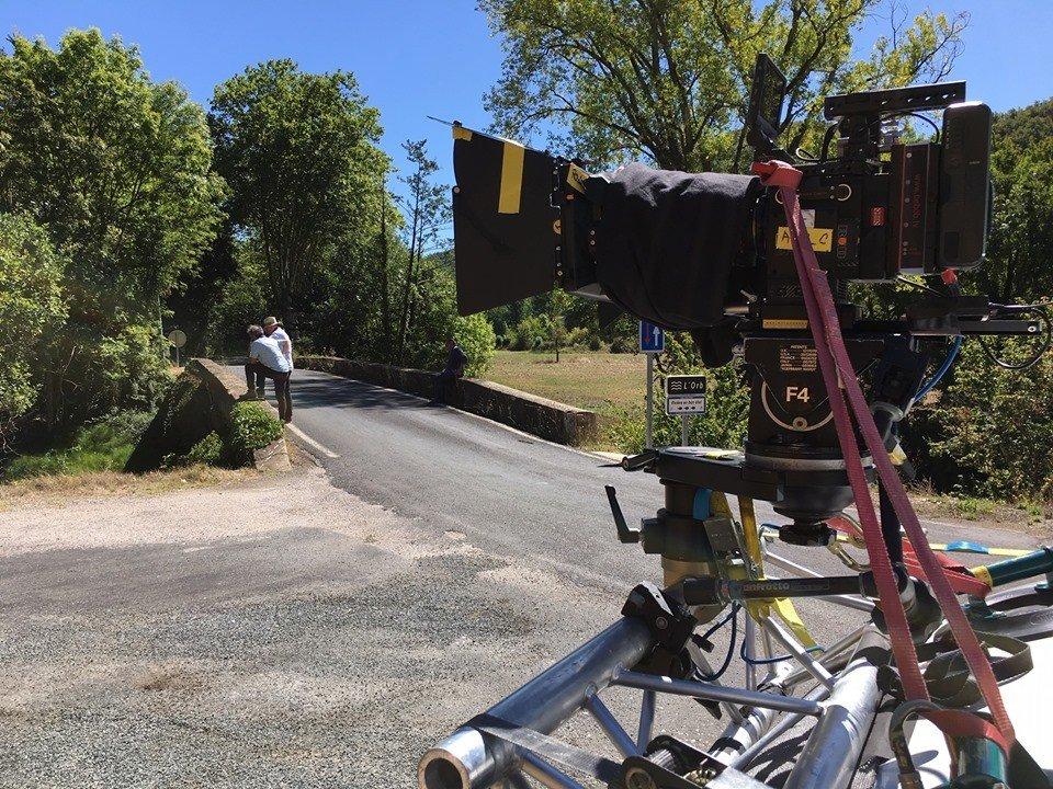 tournage documentaire fixation caméra sur camion