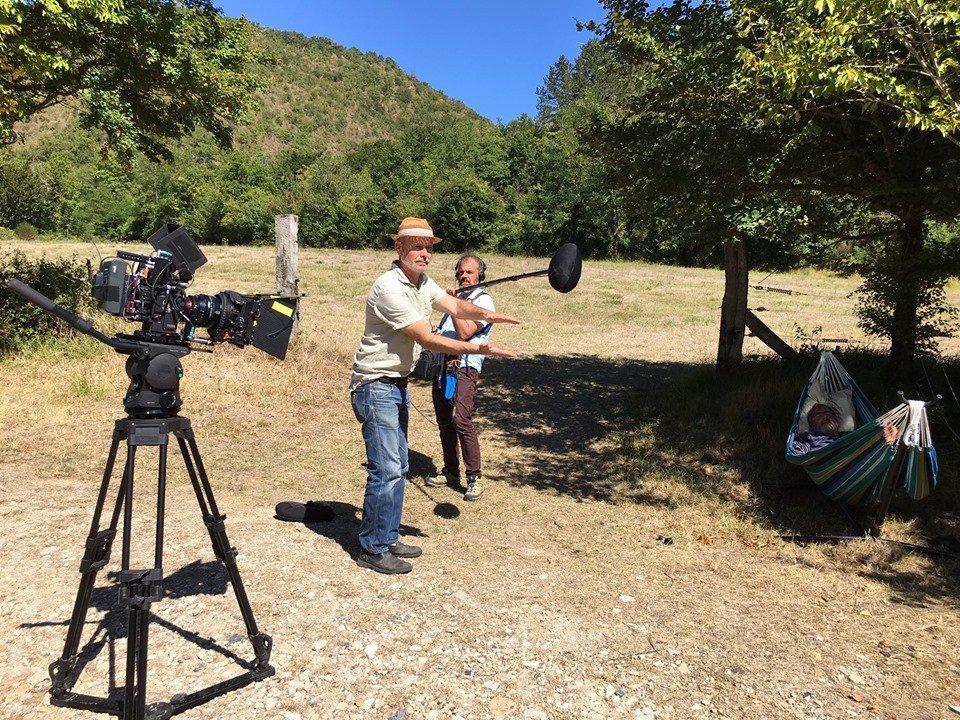 tournage documentaire à la légère clap