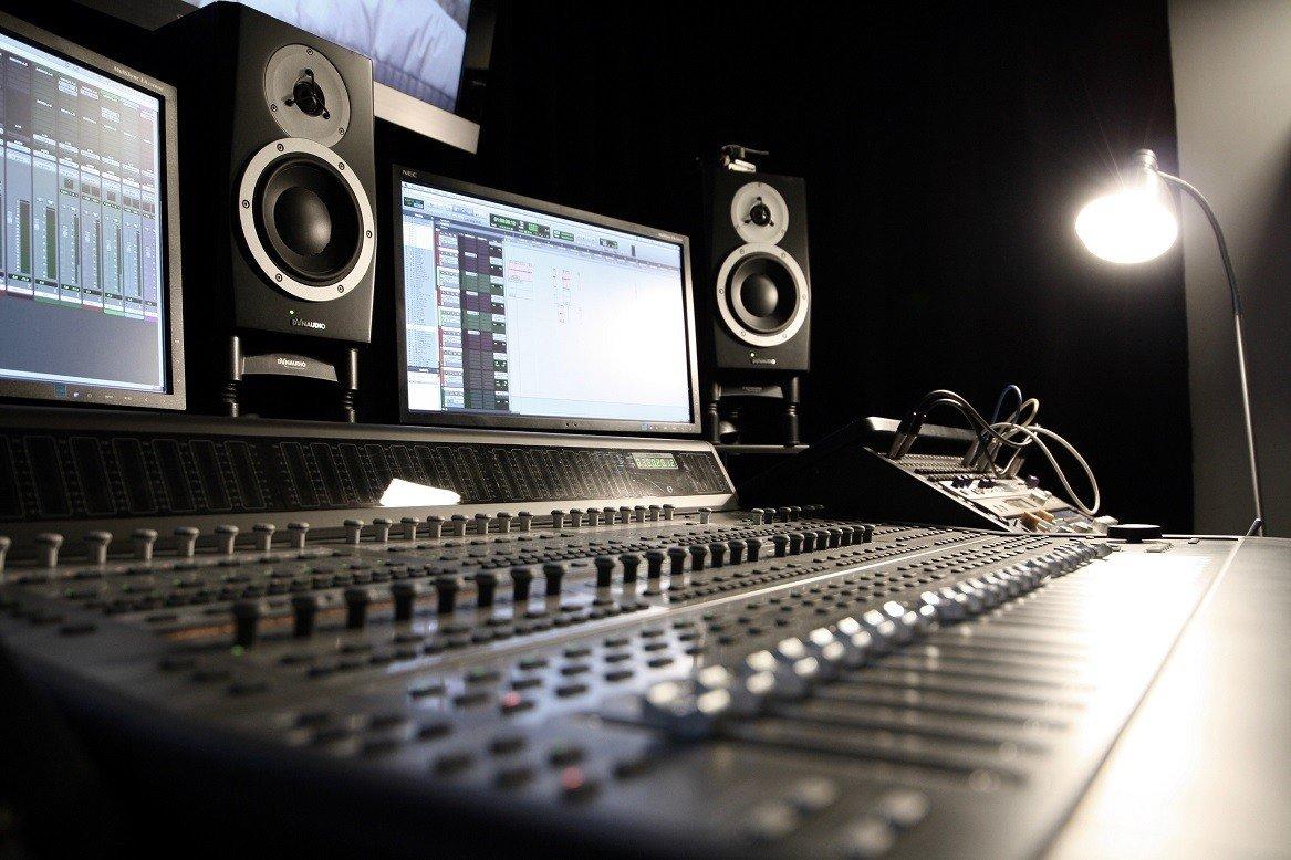 studio de mixage cinéma 5.1 protools HD console 24 faders